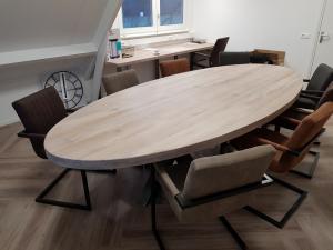 Ovale tafel 1